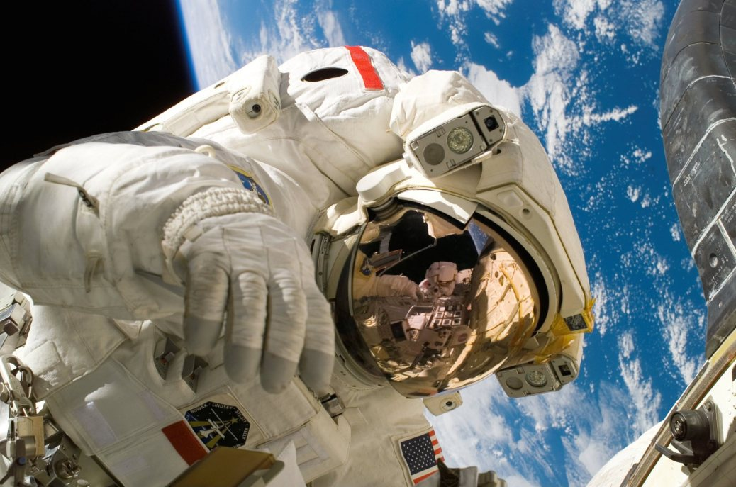 astronaut-astronomy-discovery-2156